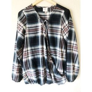 Knox rose large flannel like cross chest top